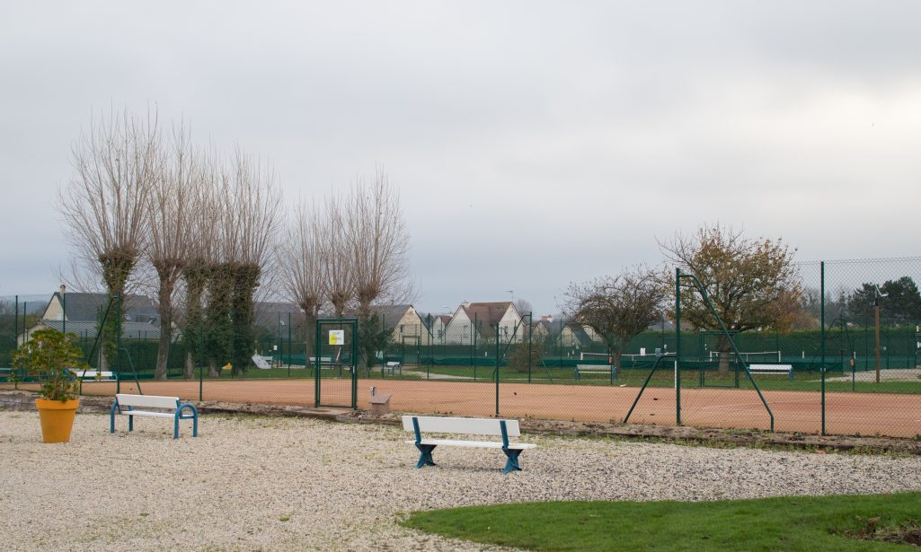 https://www.villers-sur-mer.fr/wp-content/uploads/2021/05/qbassetti-VSM-tennis-1-1025x615.jpg