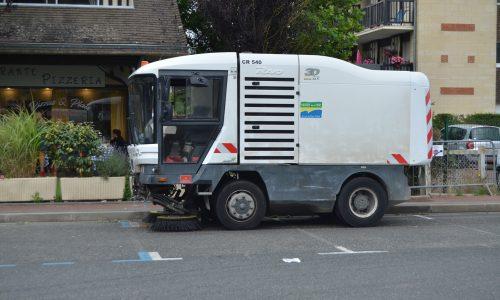 LA MAIRIE A VOTRE SERVICE : le nettoyage de nos rues et places après les marchés. Comment ça se passe ?