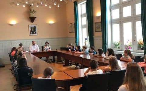 JEUNESSE : visite des enfants de notre école à la mairie et rencontre avec notre Maire