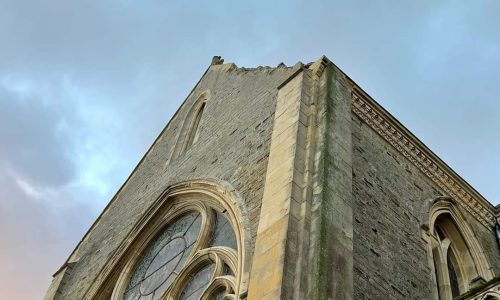 LA MAIRIE A VOTRE SERVICE : suite des violents vents d'hier sur notre église